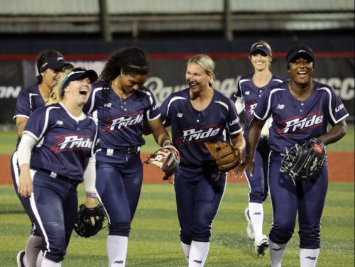 Nueva liga de softbol profesional de EE. UU .: Lanzamiento rápido profesional femenino (WPF)